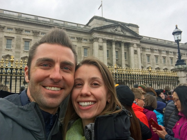 Aaron & Annie in front of Buckingham Palace